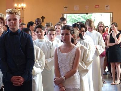Deux élèves faisaient aussi leur Première Communion